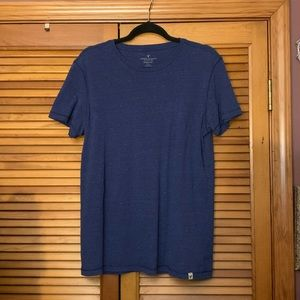 American Eagle Men's T-shirt Classic Fit   Medium